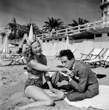 Michèle Morgan et Jean Cocteau - Cannes, 1046